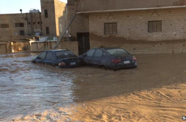 الأمطار تغرق مدنا مصرية بأكملها والسكان يستغيثون