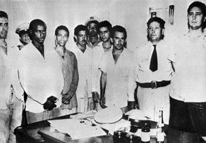 صورة فيدل كاسترو مع رفاقه