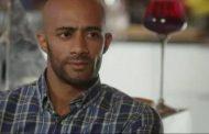 عمرو أديب مداعبًا «محمد رمضان» قبل ظهوره على الهواء «أوعى عيلة النمر يقفوا فى طريقك»