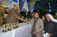 طاهر يشهد ختام الدورة السادسة عشر لمهرجان الإسماعيلية الدولى لسباقات الهجن ويسلم الجوائز والدروع للفائزين.