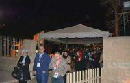 الوافدين من الدول العربية المشاركين بملتقي ذوي الإعاقة يشاهدوا عروض الصوت والضوء بالأهرامات