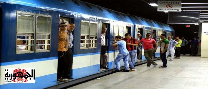 كارثة بالفيديو :   تفاصيل  قص شعر صحفية بالإكراه داخل مترو الأنفاق