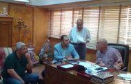 رئيس مدينة المحلة ...يبحث مشاكل الصرف الصحى والرصف