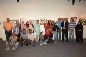 الفنانه فدوى عطيه  : بالفن التشكيلى تحيا مصر  وورش الشباب تكشف المبدعين من الشباب الهواه