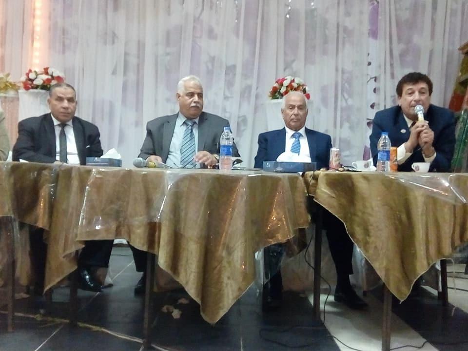 وكيل وزارة التربية والتعليم بالشرقية يجتمع بمديري مدارس إدارة فاقوس التعليمية