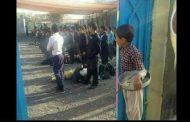صورة طفل بائع حلوى تثير ضجة على مواقع التواصل الاجتماعي لمراقبته أطفال المدارس