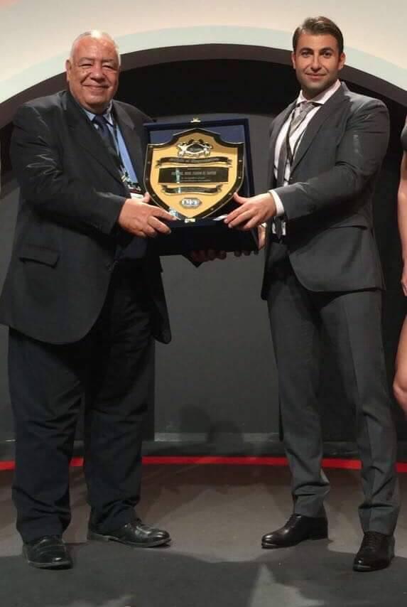 تكريم خاص للدكتور عادل فهيم من اللجنة المنظمة لبطولة كأس الخليج لكمال الأجسام