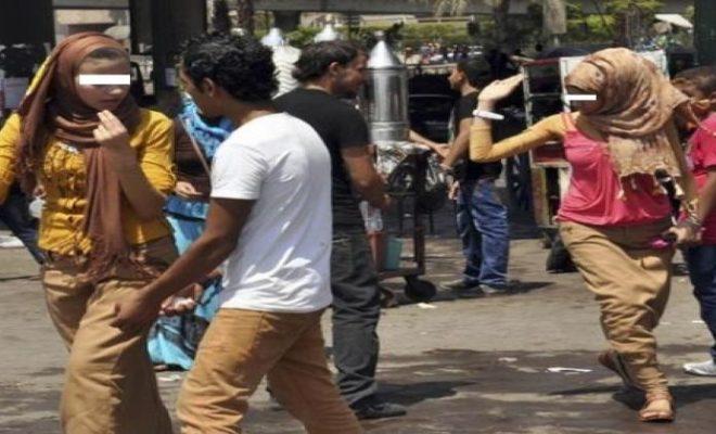 شاهد مجند الزقازيق «المتحرش» يعتدي على الشرطة اثناء القبض عليه