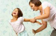 أربع طرق لتقويم طفلك من غير ضرب واهانة....