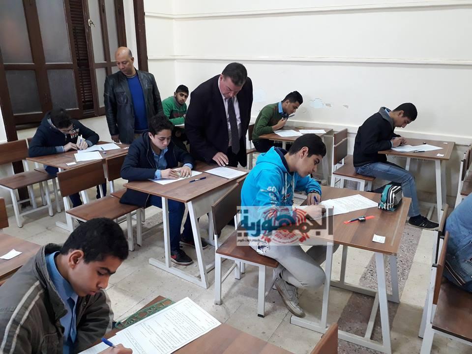 متابعة امتحانات الفصل الدراسي الأول بالفيوم