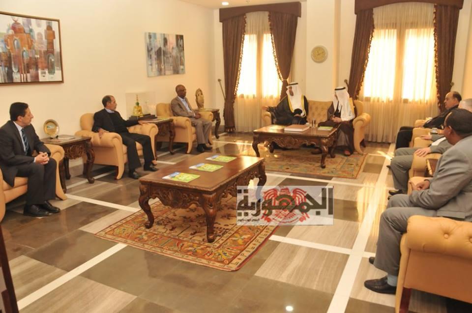 بالصور:الأمين العام لمنظمة التعاون الإسلاميّ و رئيس البرلمان العربي يدرسان العلاقات الثنائية  و القضايا ذات الاهتمام المشترك.