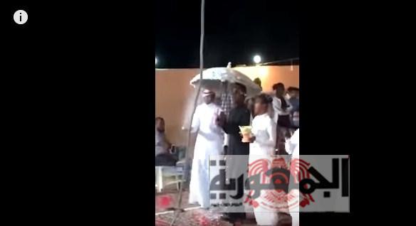 بالفيديو :حفل زواج شابين مثليين بالسعودية والشرطة تعتقل جميع المدعويين..