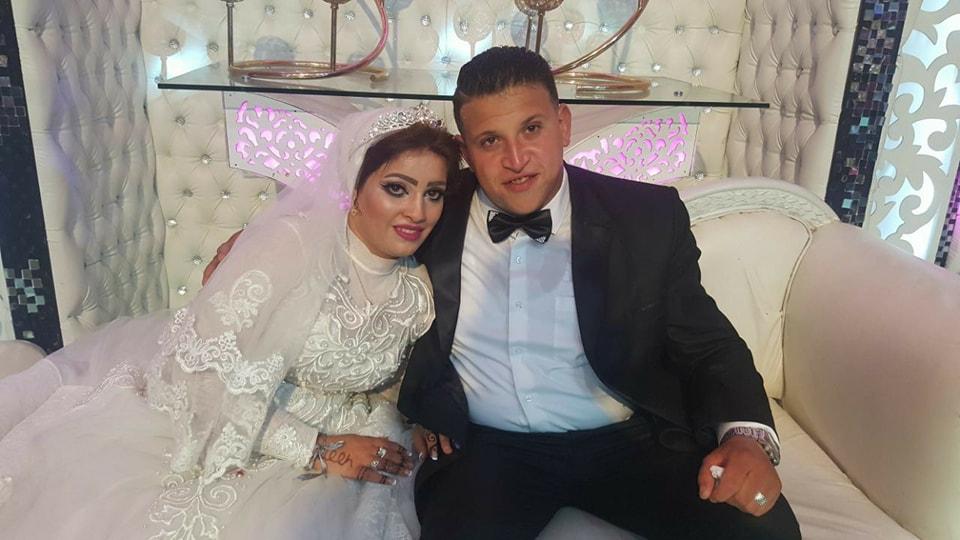 الف مليون مبروك بمناسبة الزواج السعيد