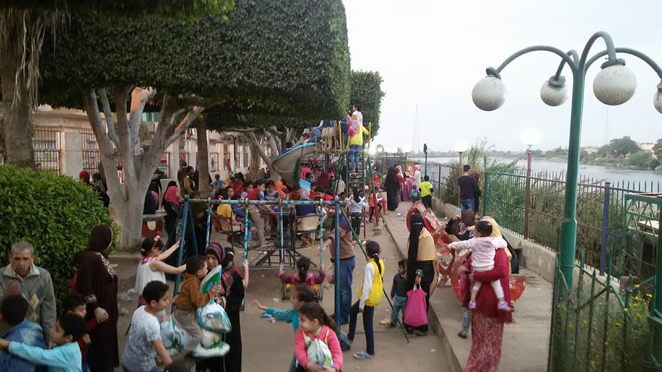 احتفال المواطنين بأعياد الربيع في سمنودغربية