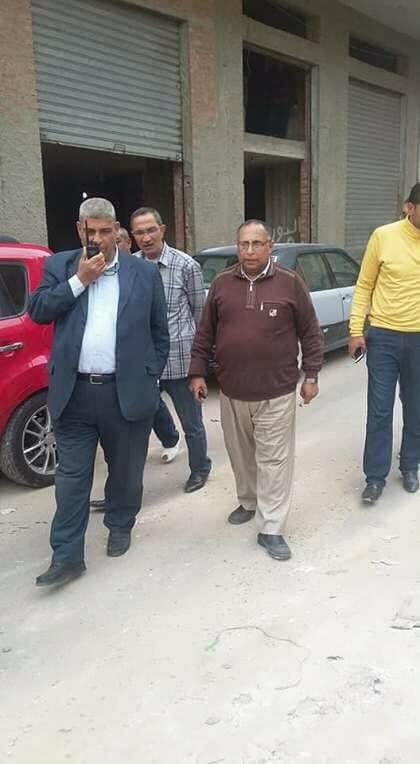 حنفي رئيس حي الجمرك يامر بإزالة دورين وترميم باقي العقار بالاسكندرية
