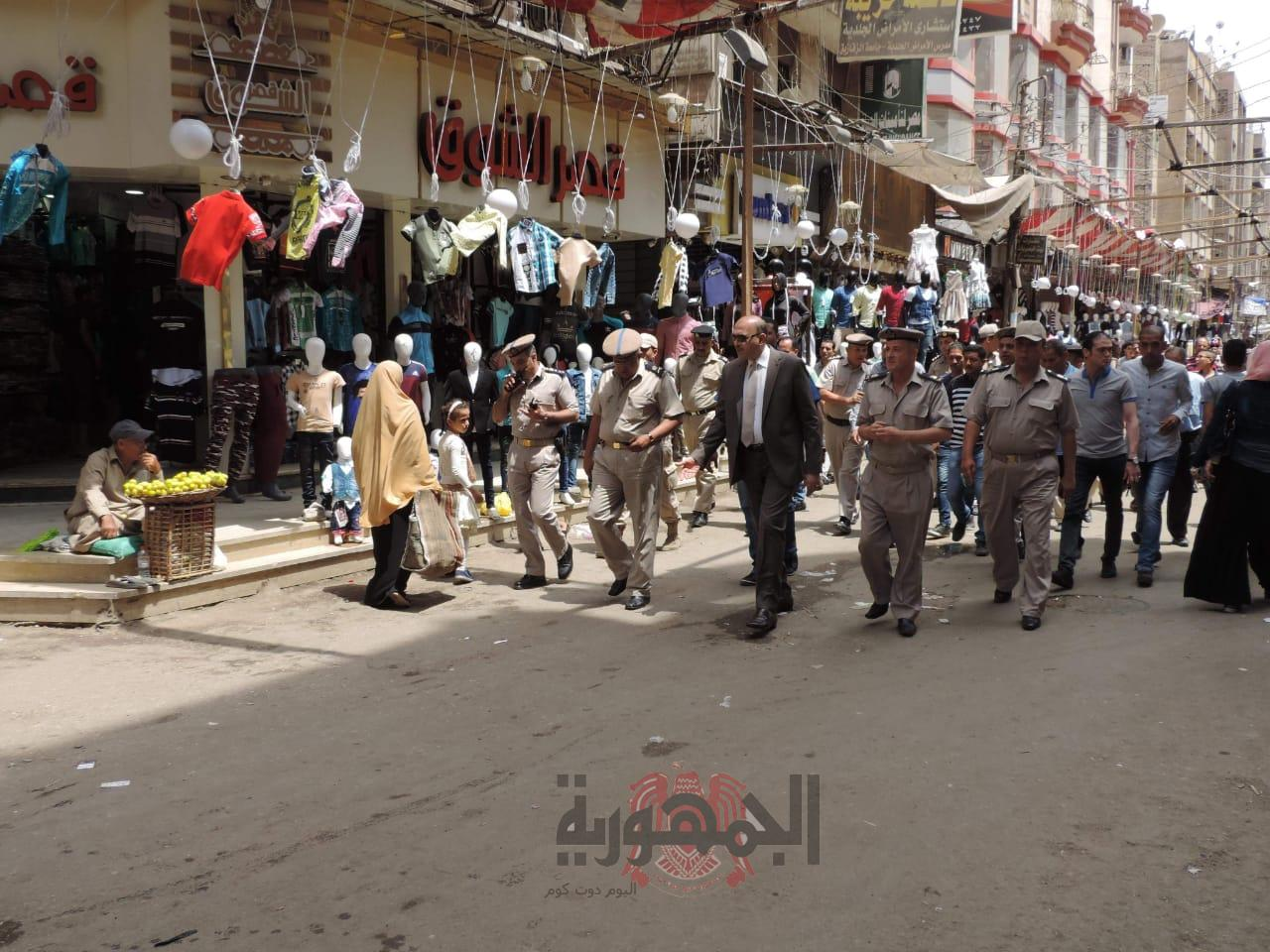 بالصور..مدير أمن الشرقية يتفقد الحملة الميدانية بالميادين العامة والشوارع الرئيسيةبمدينة الزقازيق