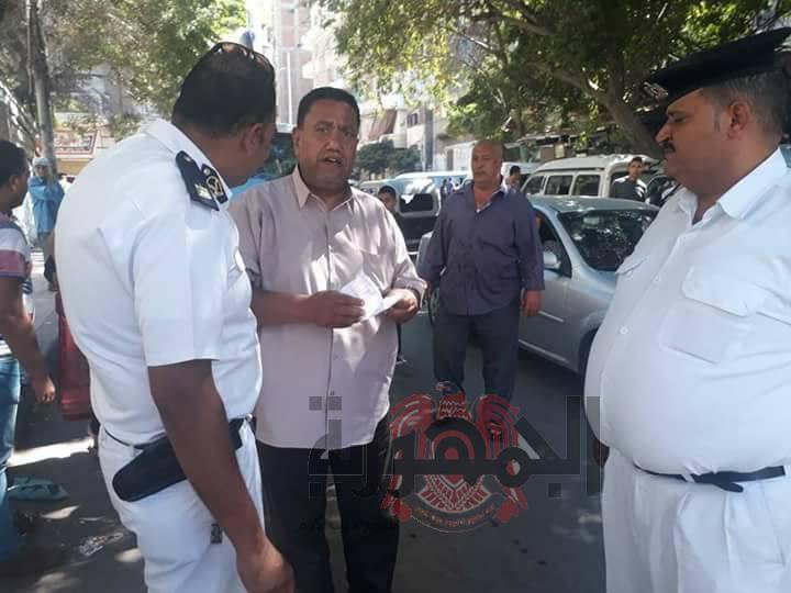 بالصور..حملة مكبرةإزالة الاشغالات والتعديات أمام مدرسة العروة الوثقى حي وسط