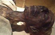 شاهد بالفيديو..لماذ دس «جبريل» الطين في فم «فرعون» حين غرقه ...