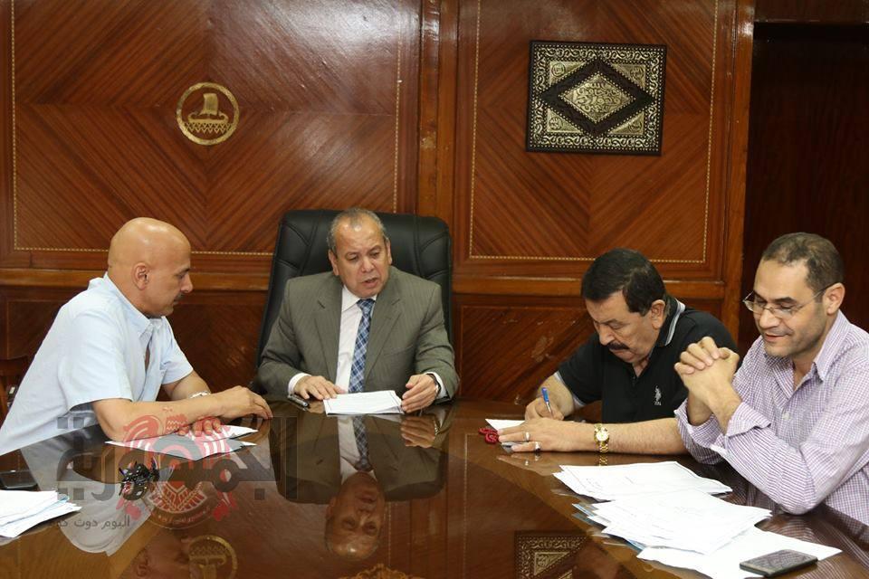 محافظ كفرالشيخ يلتقى أعضاء مجلس النواب للتعرف على مشاكل الدوائر والعمل علي حلها