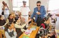 بالصور.. مدير أمن الإسماعيلية يتفقد مدارس الكيلو 2 والبلابسة في أول أيام الدراسة الفعلية.