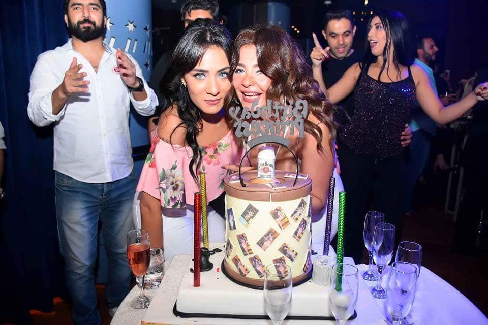بالصور.. بوسي على تحتفل بعيد ميلادها مرتين.
