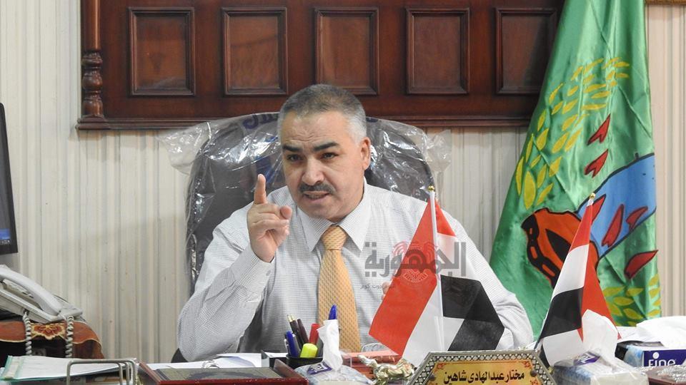 عاجل : شاهين يحيل مدير إدارة الشهداء التعليمية للشئون القانونية