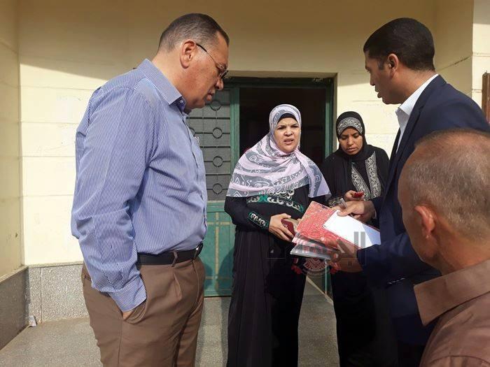 محافظ الشرقية في زيارة للوحدة الصحية بأنشاص الرمل ويفاجأ بغياب 23 من العاملين بها بتاريخ اليوم أول أكتوبر 2018