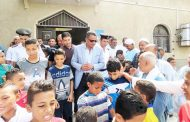 بالصور ..مدير أمن أسماعلية يؤدى صلاة الجمعة وسط أهالى الكيلو 2 ويلتقي بالمواطنين .