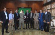 وكيل تعليم المنوفية فى جامعة المنوفية لتهنئة مبارك لرئاسته للجامعة
