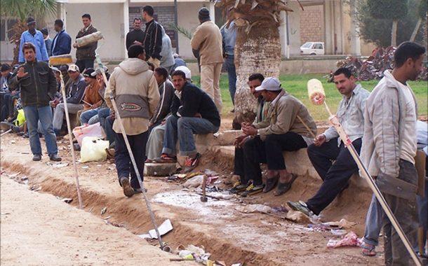بالصوت.. أول تسجيل صوتي لرجل الأعمال الليبي ويحتجز 16 من المصريين في ليبيا
