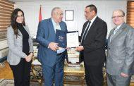 محافظ البحيرة ورئيس الاتحاد المصري لكمال الاجسام يتفقاعلي إقامة بطولة البحر الأبيض المتوسط بالمحافظه