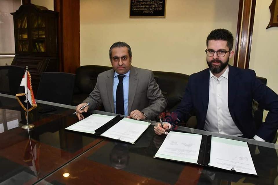 وزارة الإسكان توقع اتفاقية لمشاركة الدولة المصرية للمرة الأولى بمعرض