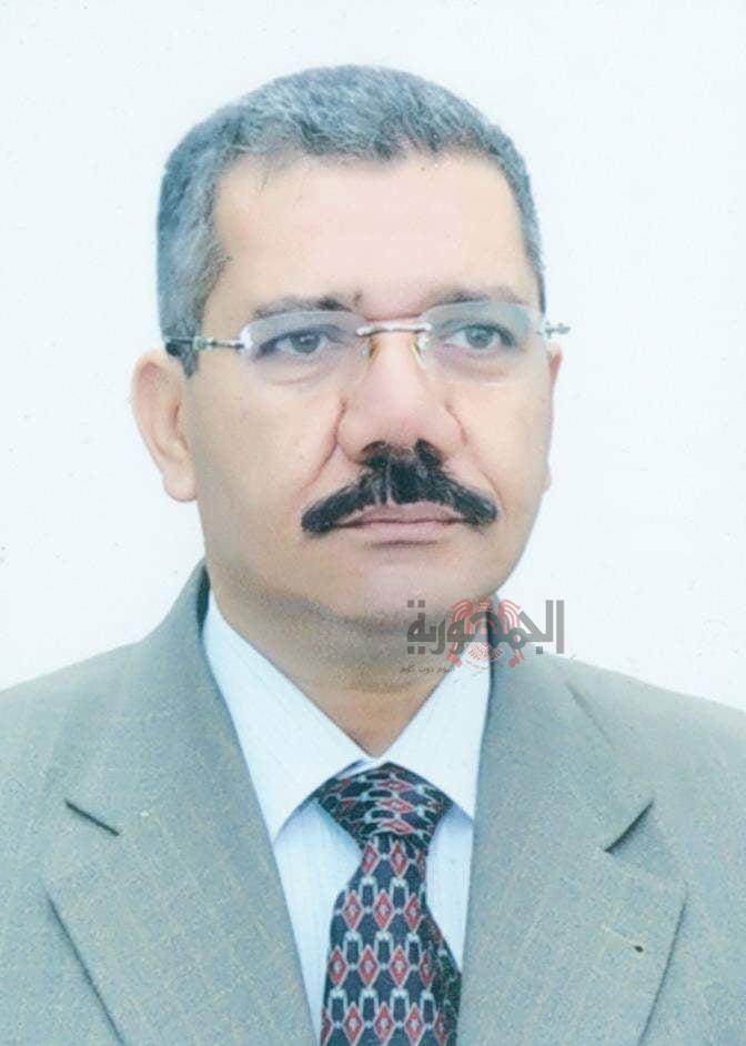 الشاعر محمد الشحات يغرد فى معرض القاهرة الدولى للكتاب  بثلاث دواوين دفعة واحدة