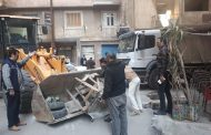 حملات للتصدي لظاهره الاشغالات والنبيشة  التي تعوق الطريق العام بنطاق حي المنتزه أول.....بالاسكندرية