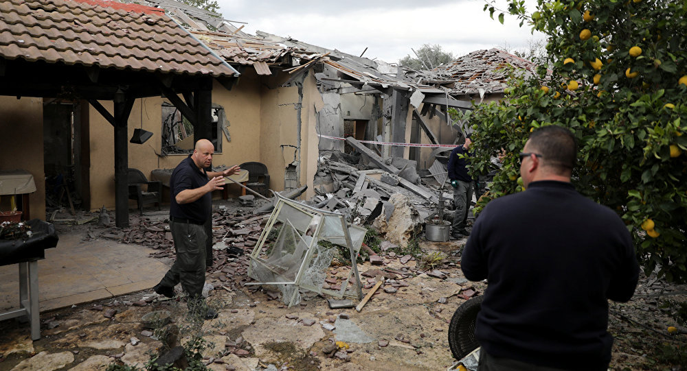 سقوط صاروخ على تل ابيب