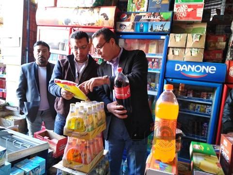 ضبط ٤٥٠سلعة غذائية منتهية الصلاحية خلال حملة تموينية على محلات القنطرة غرب بالإسماعيلية