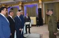 وزير الداخليه يكرم المقدم مصطفى رشاد نائب مأمور مركز شرطة  بلبيس