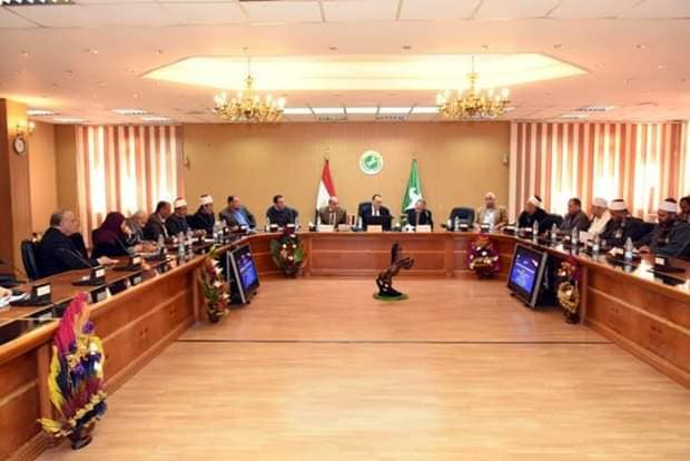 #محافظ_الشرقية يترأس إجتماع اللجنة العليا للتوعية الدينية بالشرقية