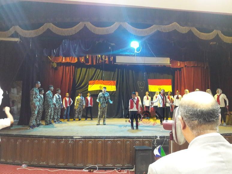 امام لجنة الوزارة تصفيات النشاط الصيفي لتوجيه التربية المسرحية بمسرح كلية التجارة بكفرالشيخ