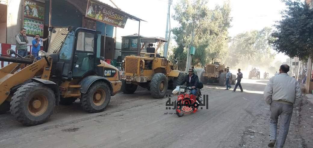 محمود عويس يطلق مبادرة لمسح شوارع قرية ابيار