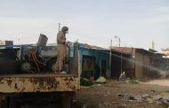 تعقيم وتطهير الشوارع والاماكن العامة بالقنطرة شرق بالإسماعيلية