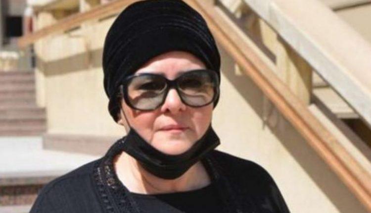 دلال عبدالعزيز